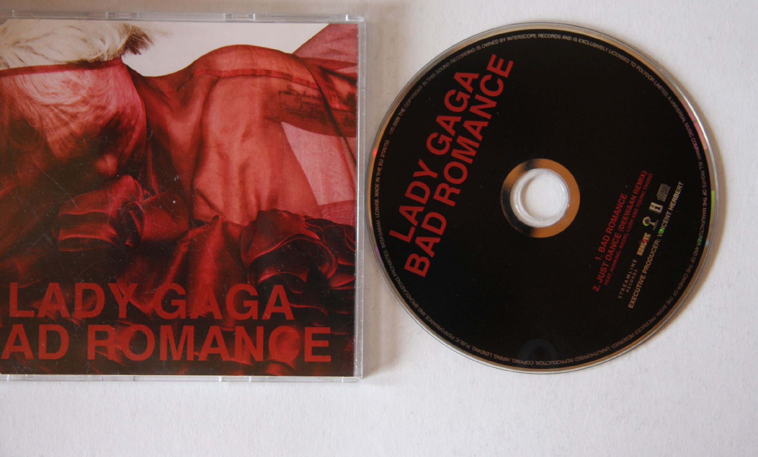 lady gaga bad romance album - photo #38